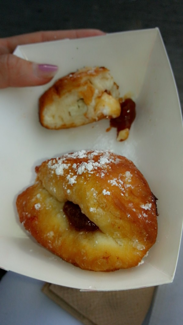 cuban donuts filled with cream cheese and guava jelly! yummmmmy! it was worth the 25 minute wait.